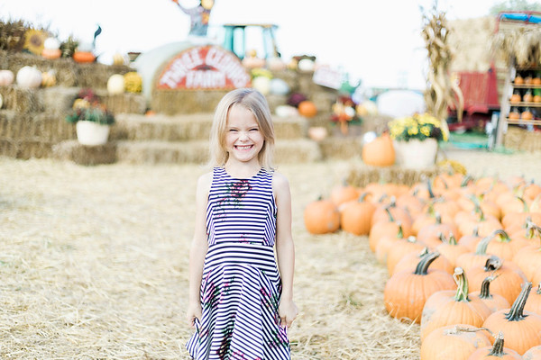 three-cedars-farm-fall-family-session-7