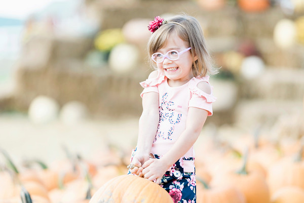 three-cedars-farm-fall-family-session-14