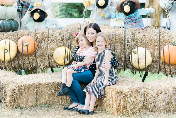 three-cedars-farm-fall-family-session-1