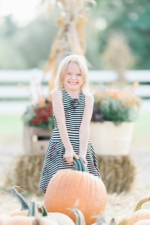 three-cedars-farm-fall-family-session-9