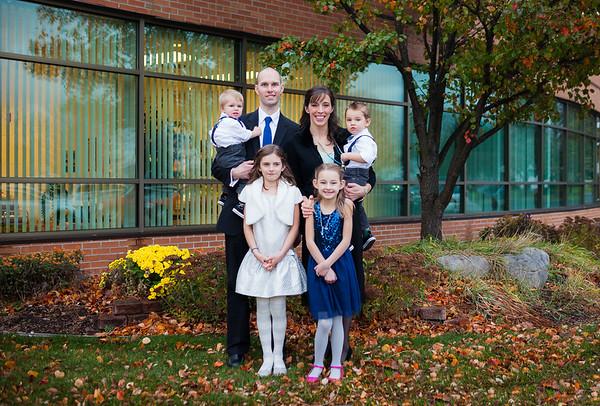 Downtown Grand Rapids Family Portrait Mini Session Kreuze
