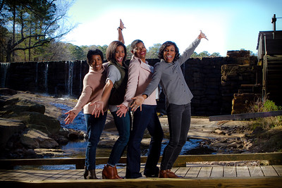 Girls just wanna have fun!  Loved shoots the Felder ladies and I think they had fun too.  #CHamiltonImages #RaleighPhotographer #NCPhotographer #FamilyPhotography #FamilyPortraits #photoshoot #canonshooter