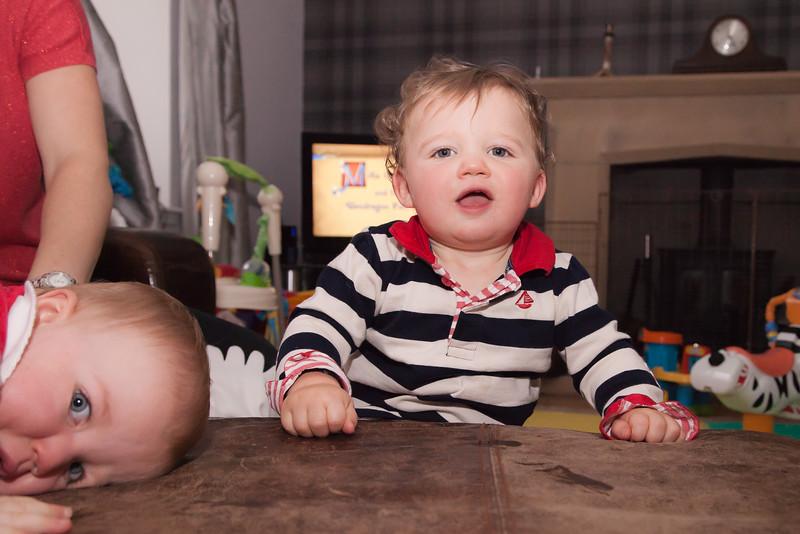 Twins 12mths_20141017_0034