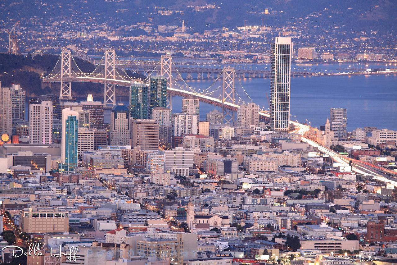 The beautiful San Francisco skyline at night.