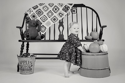 2018 Oct Hallie Neathery 1 Year Old Smash Cake-294 BW