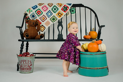 2018 Oct Hallie Neathery 1 Year Old Smash Cake-294