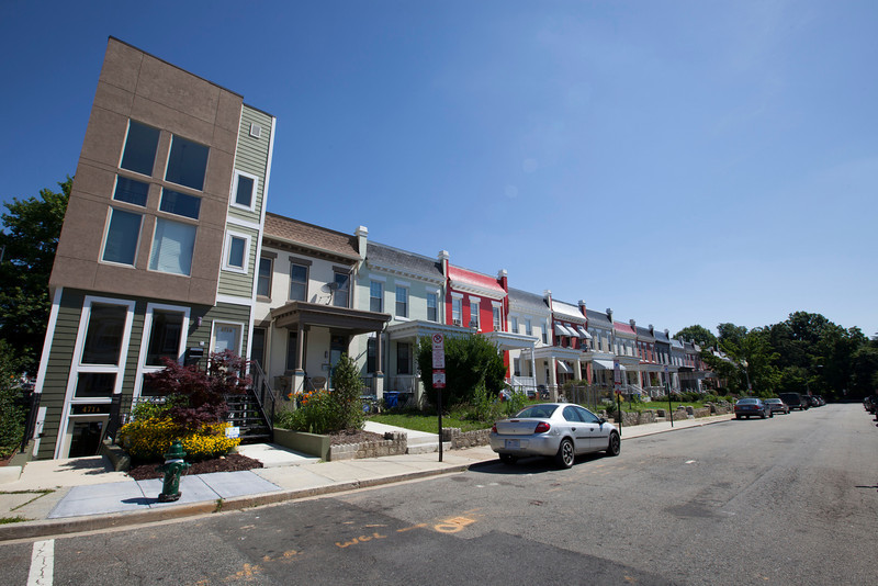 The Society's Urban Photography Series includes guided photo tours of neighborhoods in each of the District's eight wards. The tour of Park View (Ward 1) was led by Kent Boese. <br /> <br /> PICTURED: Houses at the north east corner of Lamont Street, at Warder Street.<br /> <br /> Shot 6/22/2013. Credit: Anne McDonough, © Historical Society of Washington, D.C.
