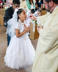 Communion Hispanic-9096-37 8X10 -2_
