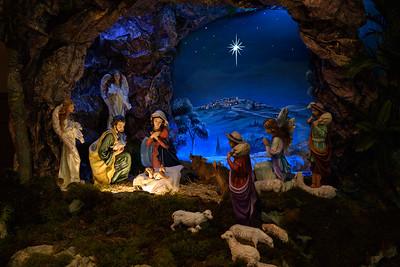 2018 Christmas Decor_8837_300 DPI