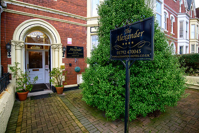 1-iNNOVATIONPHphotography-Alexander-Hotel-Swansea-850934