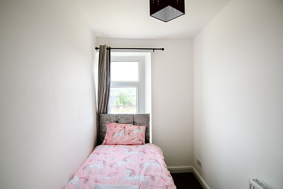16-iNNOVATIONphotography-property-photographer-Swansea-Unicorn_D856597