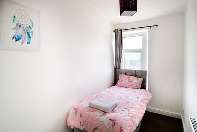 15-iNNOVATIONphotography-property-photographer-Swansea-Unicorn_D856596