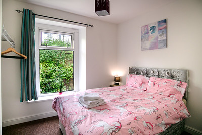 2-iNNOVATIONphotography-property-photographer-Swansea-Unicorn_D856571