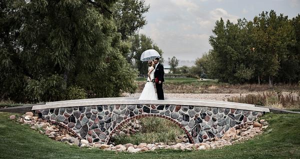 JacquieKevin_Wedding-BridgeHero-Kiss