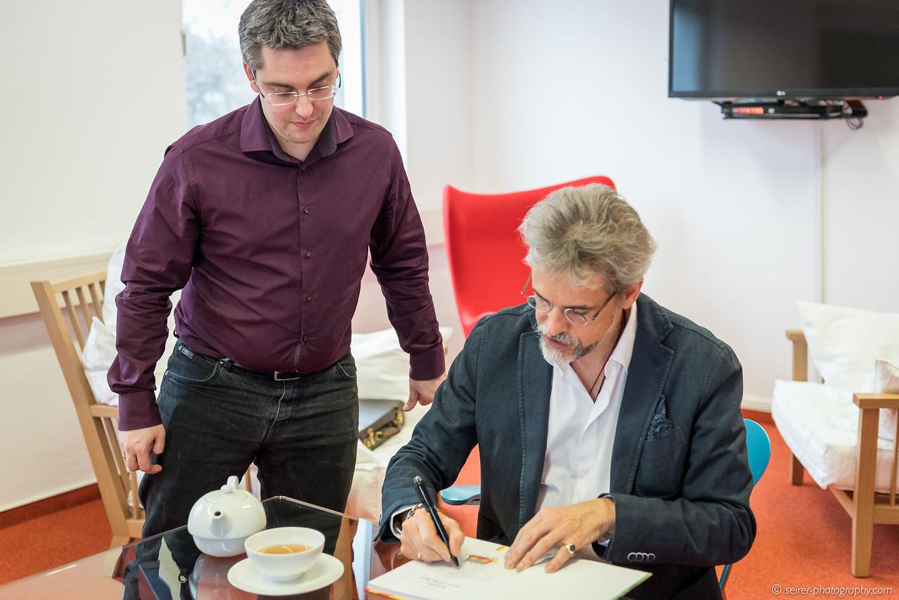 Autogrammstunde mit Thomas Brezina