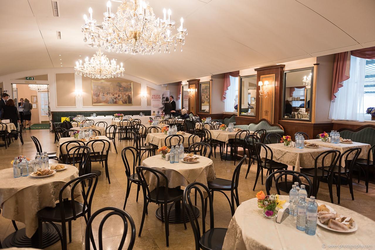 Pressekonferenz im Café Residenz