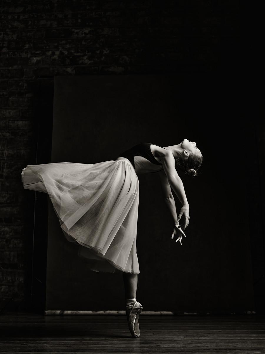 IMAGE: https://photos.smugmug.com/Clients/Katerina-Ballerina/i-sXQWK57/0/fd45ed81/X3/CF100564%201-X3.jpg