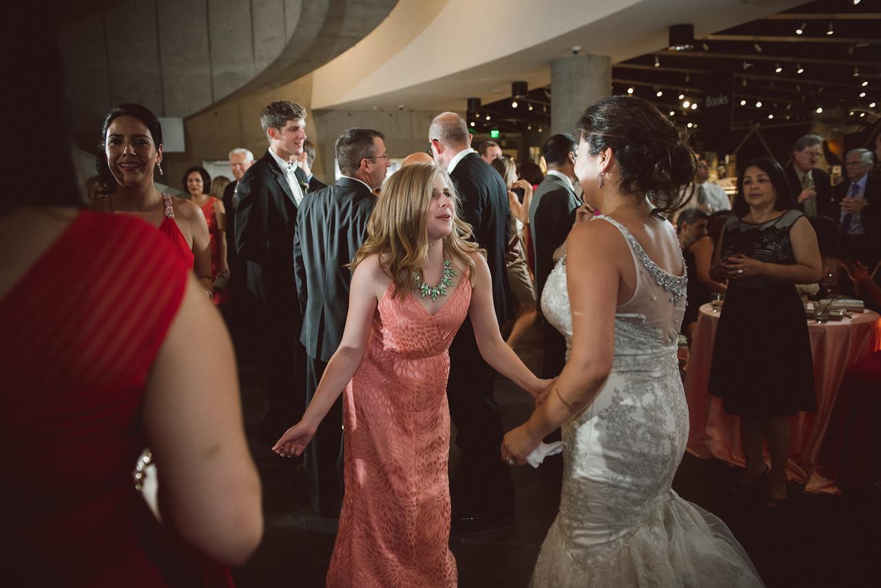 2016-0606-dali-wedding-photographer-2048x-1192