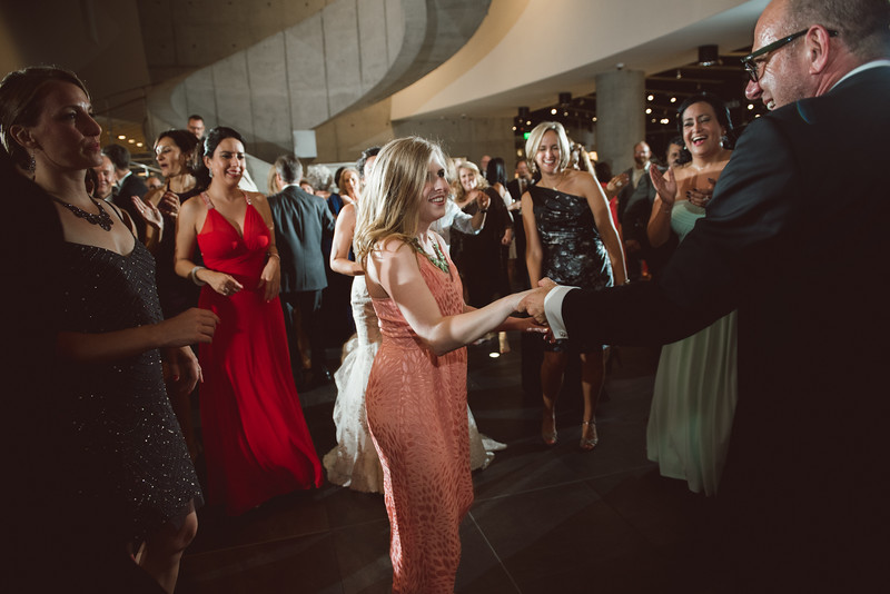 2016-0606-dali-wedding-photographer-2048x-1155