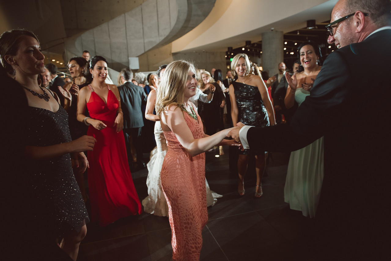 2016-0606-dali-wedding-photographer-2048x-1155