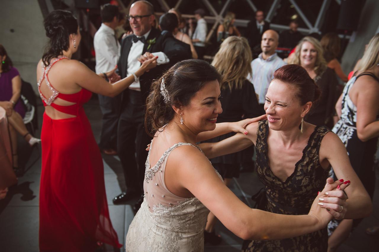 2016-0606-dali-wedding-photographer-2048x-1243