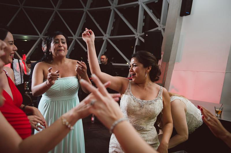 2016-0606-dali-wedding-photographer-2048x-1114
