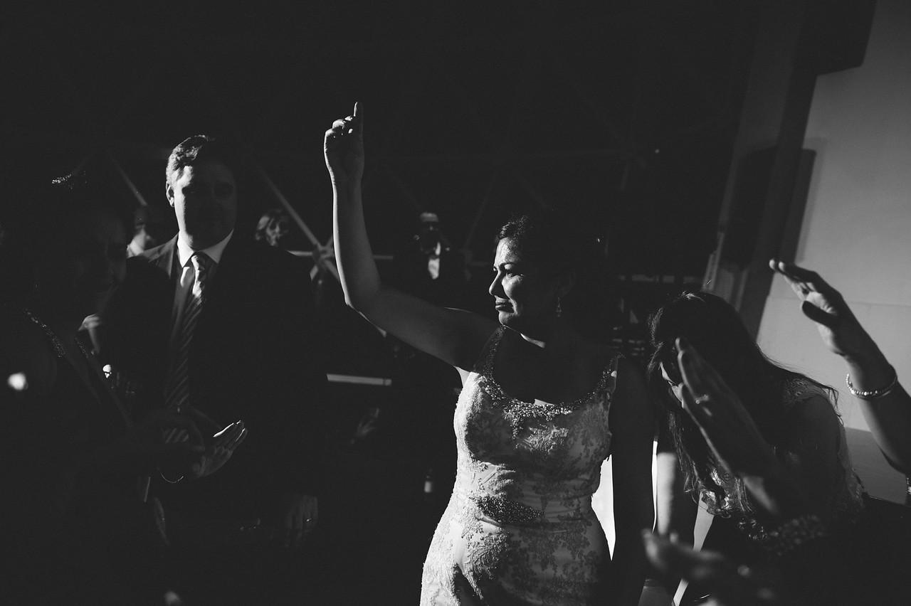 2016-0606-dali-wedding-photographer-2048x-1113