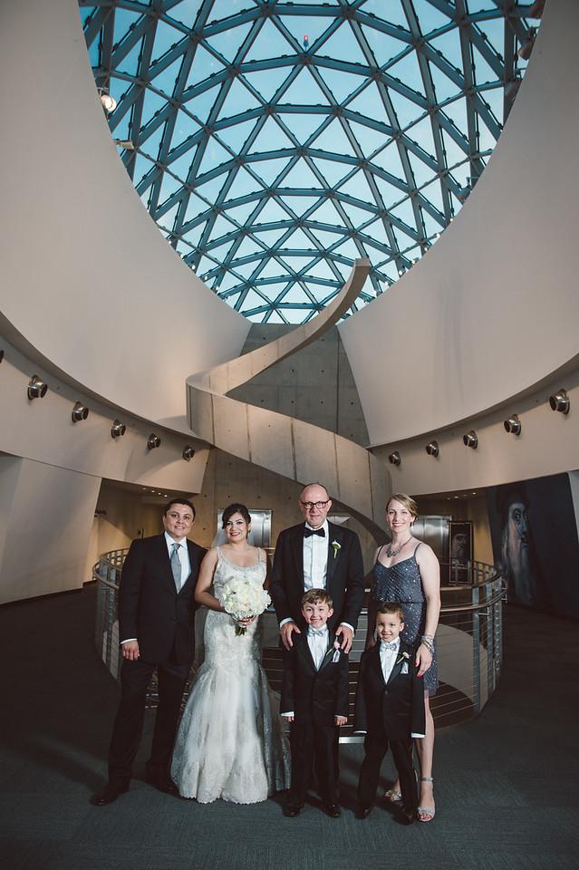 2016-0606-dali-wedding-photographer-2048x-731