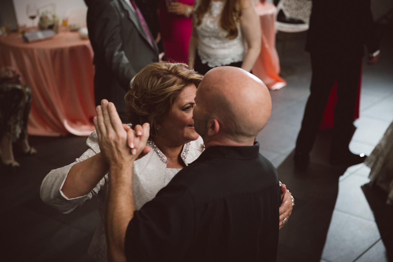 2016-0606-dali-wedding-photographer-2048x-1046
