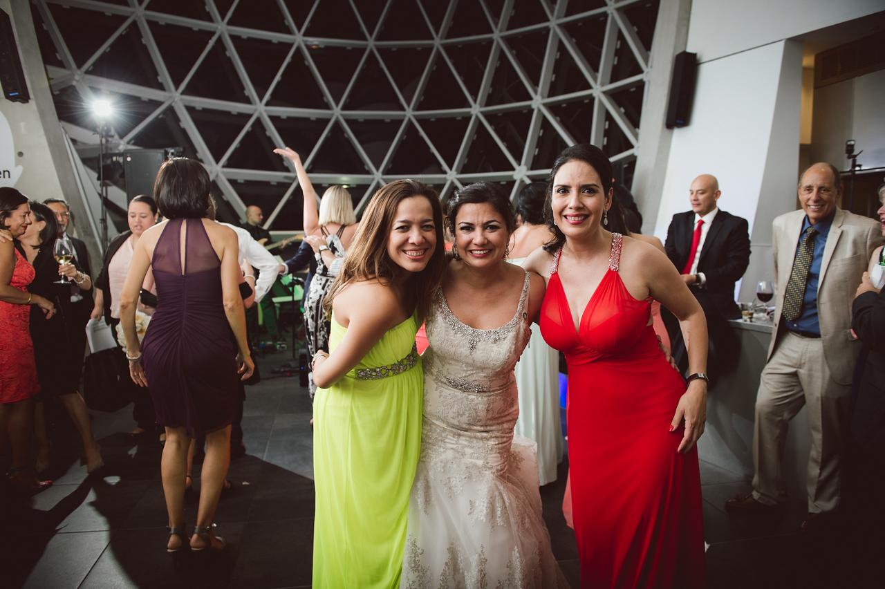 2016-0606-dali-wedding-photographer-2048x-1253