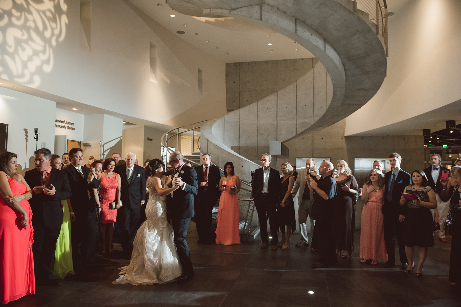 2016-0606-dali-wedding-photographer-2048x-991