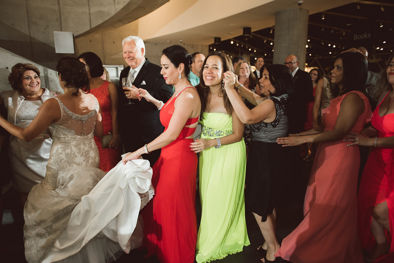 2016-0606-dali-wedding-photographer-2048x-1207