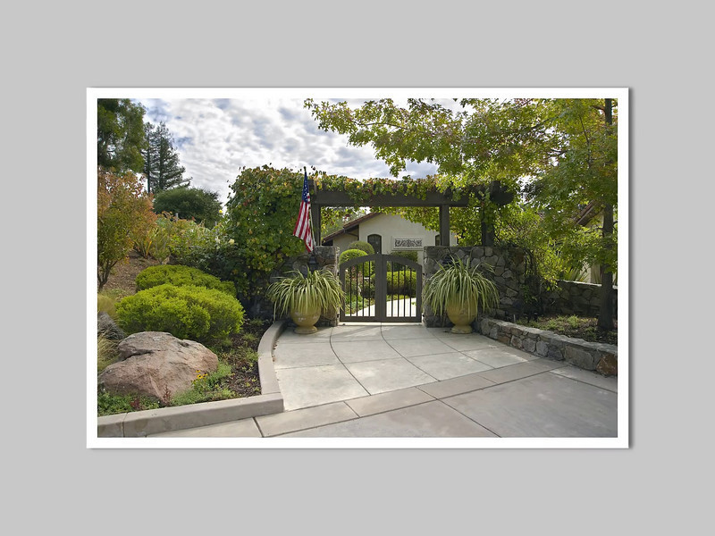 Saratoga Landscape<br />           Gallery of Images<br /> <br /> Photography: Ali Atri<br /> Landscape Architect: Kikuchi and Associates
