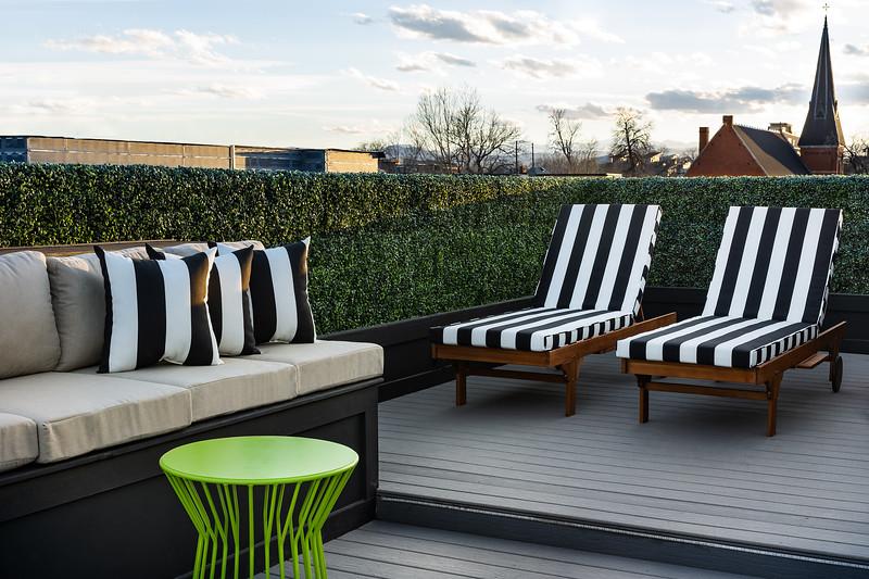 KimLorenzenDesign-Rooftop_Patio-Bench_LoungeChairs-1823