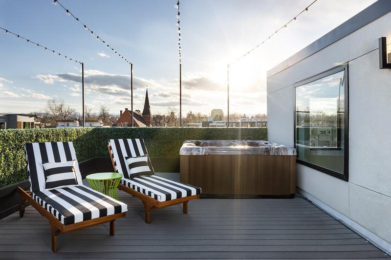 KimLorenzenDesign-Rooftop_Patio-HotTubLounge-1759