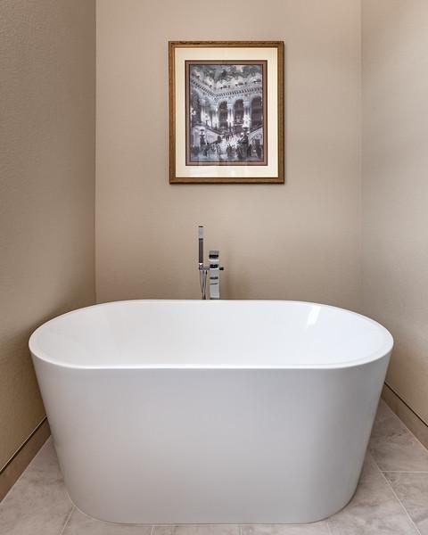 KimLorenzen-LoneTree-LoneTree-Bathtub