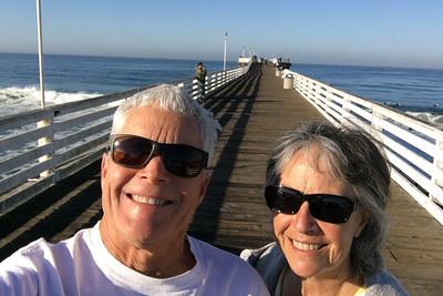 K&B selfie on the pier i7019