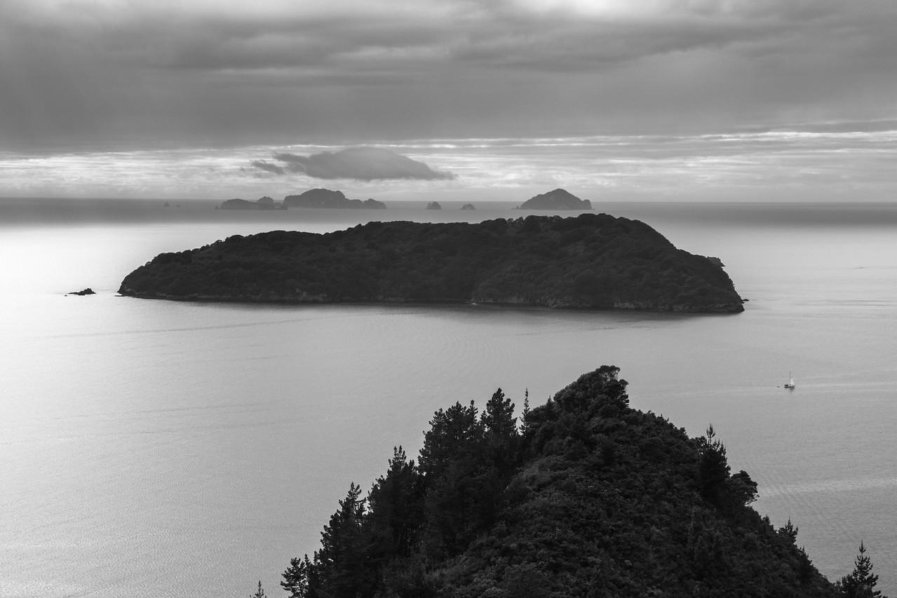 Shoe and Alderman Islands 5712bw