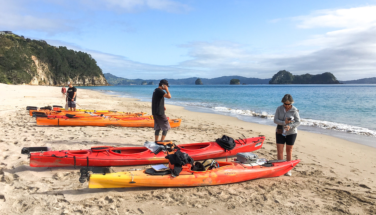 Ha Hei kayaking prep 6302p