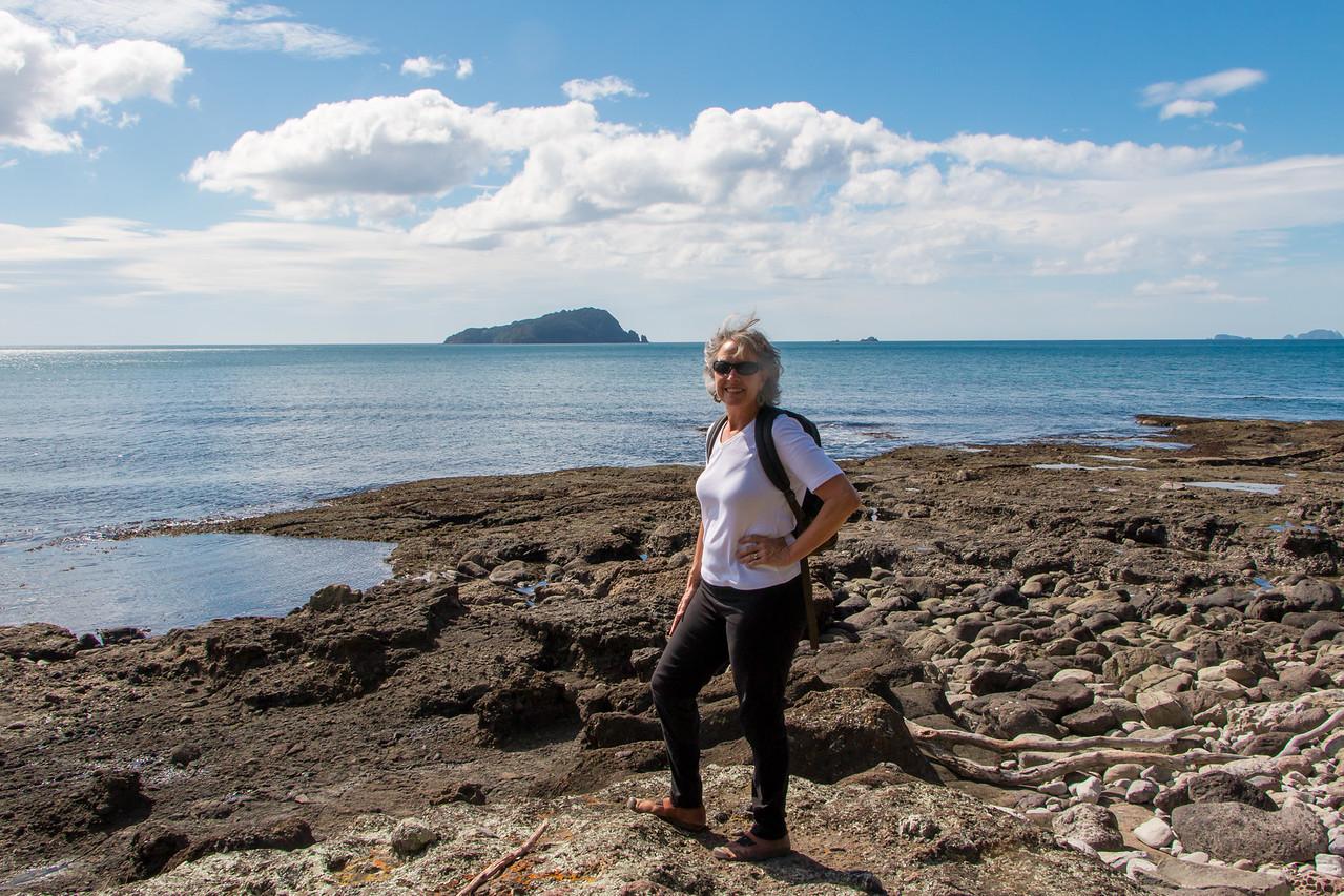 Brenda on the rocks, Shoe Island 5629