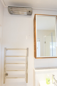 03 3 Bathroom with towelrail and heater