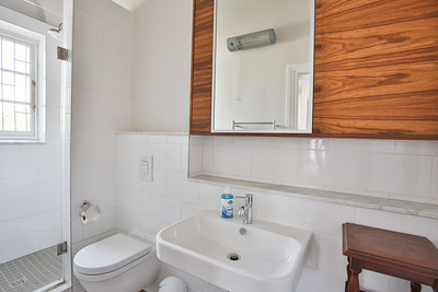 20  Room 3 Bathroom