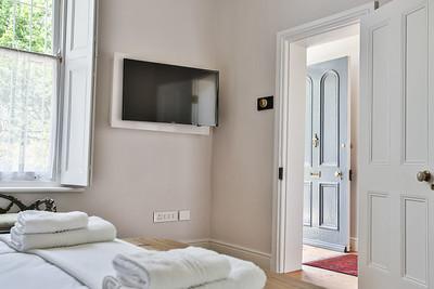 08  Room 1 TV