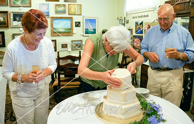 cake cutting 2340