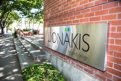 Lionakis1472_SignOriginal