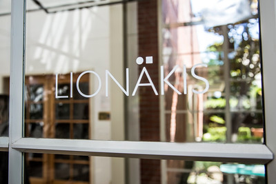 Lionakis0061_Window
