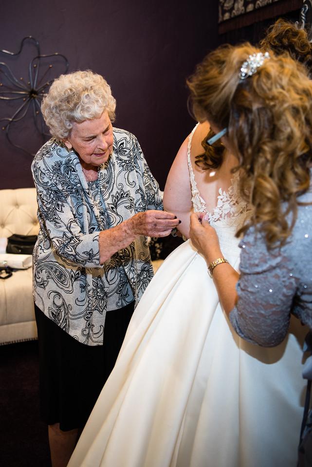 millennial-falls-wedding-815400