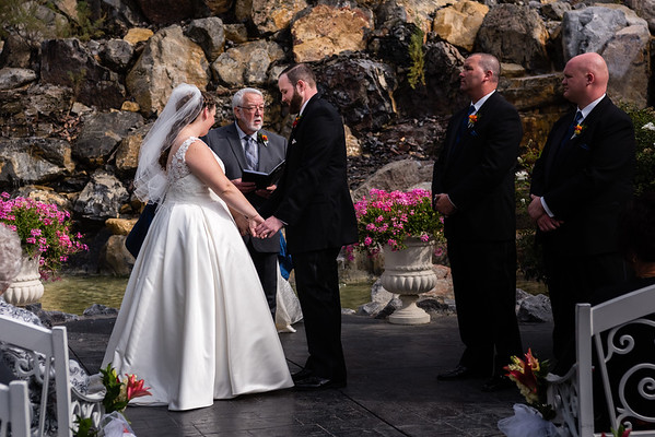 millennial-falls-wedding-815744