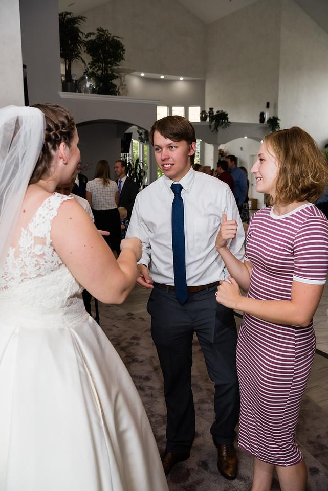 millennial-falls-wedding-816513