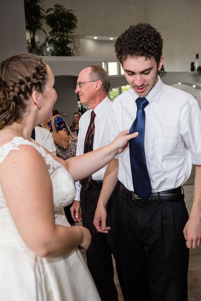 millennial-falls-wedding-816620